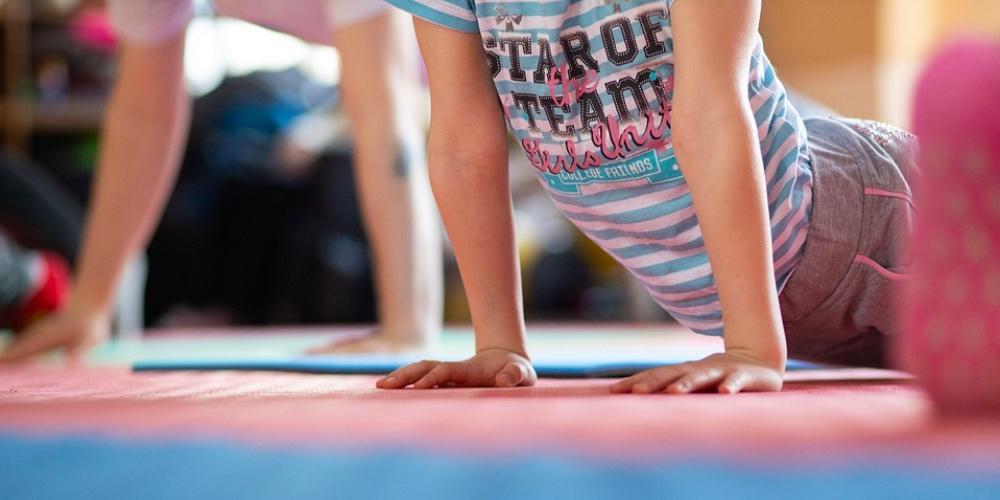 Miért jó a jóga a gyerekeknek?