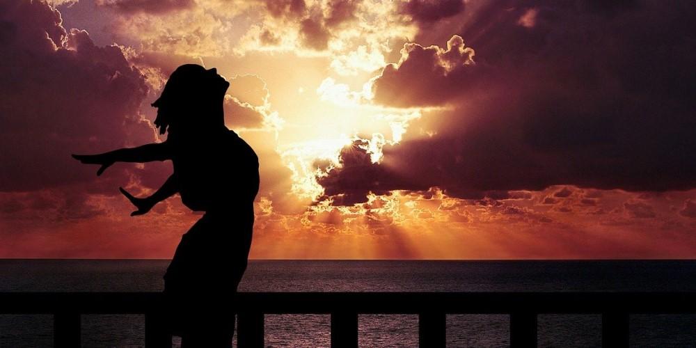 légzőgyakorlat, naplemente, nő